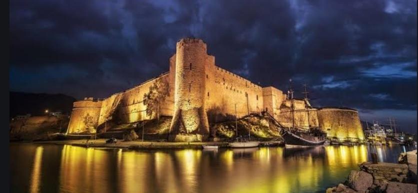 Girne (Kyrenia) Kalesi